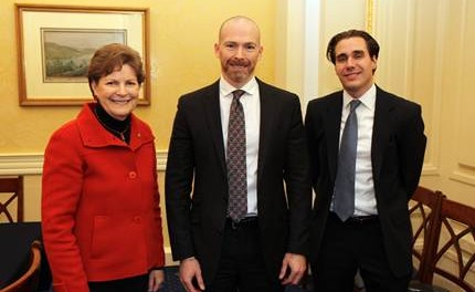 Shaheen hosts New Hampshire business leaders in Washington